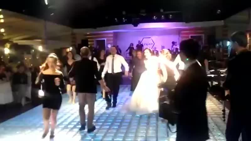 Ankaralı_nın Düğünü Böyle Olur.mp4