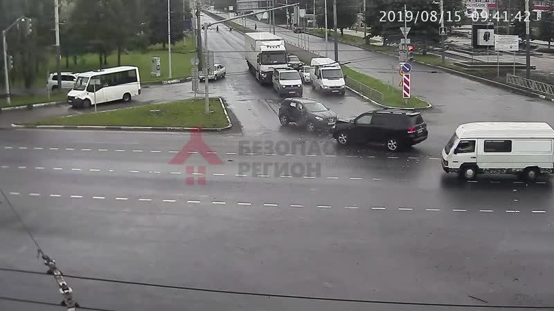 Авария Ленинградский - Дзержинского.