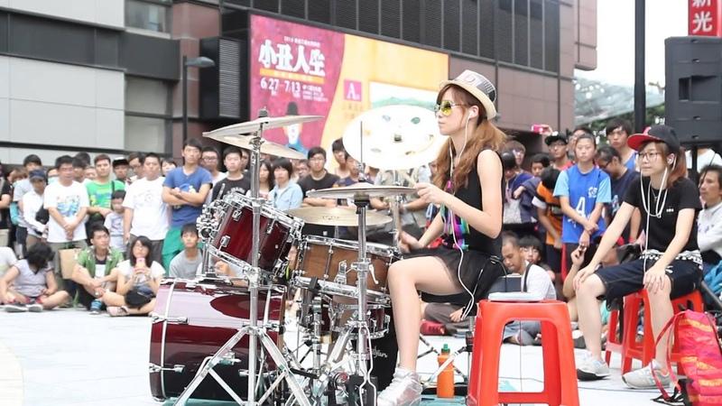 Garota taiwanesa arrasa na bateria Toxicity Drum Cover