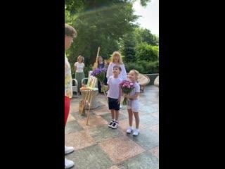 Алла Пугачева с детьми устроила Максиму Галкину сюрприз на день рождения