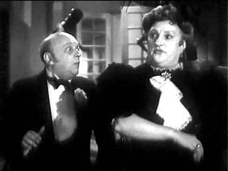 """И вот этот поросеночек рос... И выросла такая большая... Что выросло?  """"Мистер Икс"""" 1958 г."""