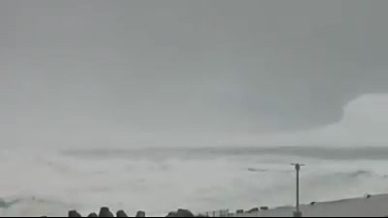 စူပါတိုင္ဖြန္း ငလွ်င္ မုန္တိုင္း ဂ်ပန္ကို ဝင္ေရာက္ ေနၿပီ ဗီဒီယုိဖုိင္ 1 mp4