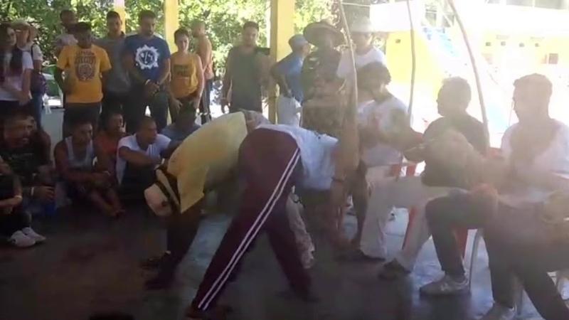 C.m well e mestre jogo de dentro capoeirando 2020