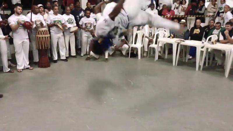 Neguin - Abadá Capoeira Jogos mundiais