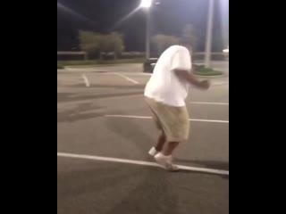 В белом танце кружимся