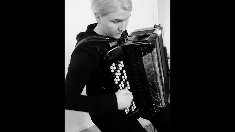 Netta Skog Silent Waters (Amorphis cover)