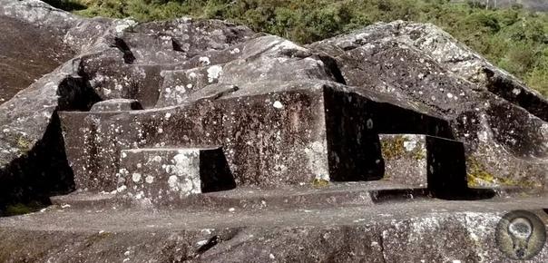 Юрак-Руми - необычный древний артефакт из Перу Артефакт представляет собой огромный мегалит с большим количеством вырезанных в нем мелких элементов. Никто не может точно сказать, кто создал