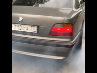 BMW E38 Burnout