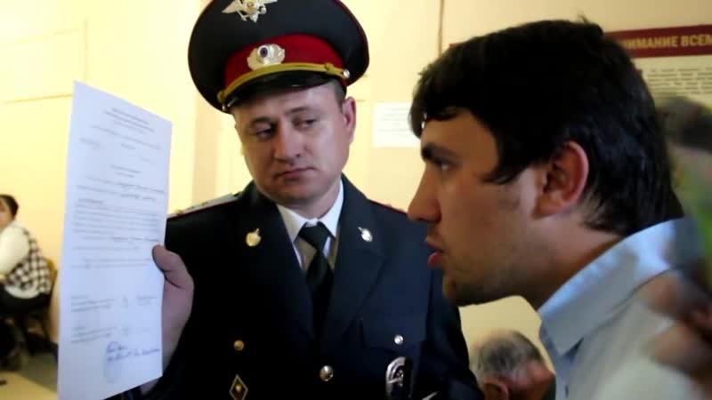 Выборы в Саратов 2015 Полиция удалила с УИК члена ТИК Николая Бондаренко