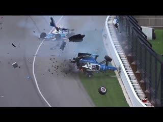 MASSIVE CRASH - 2017 Indy 500 Scott Dixon Crash