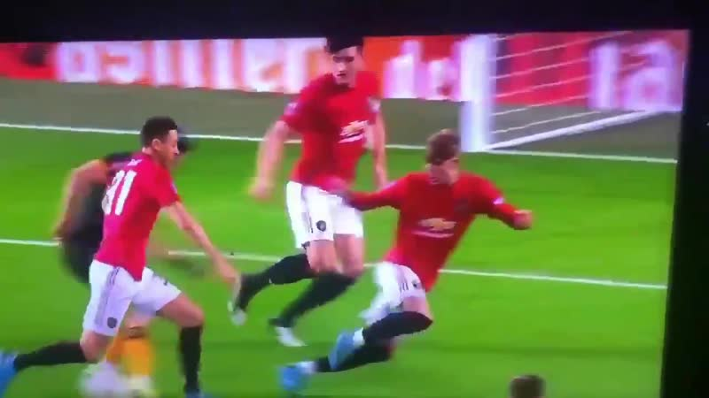 Raul Jimenez sending 3 United players to the shops. Where was Matic running to please MUNWOL FACup
