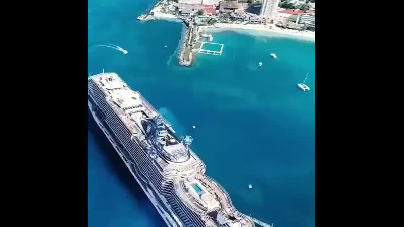 MSC Seaside Судно рассчитано на 5119 гостей и 1413 членов экипажа