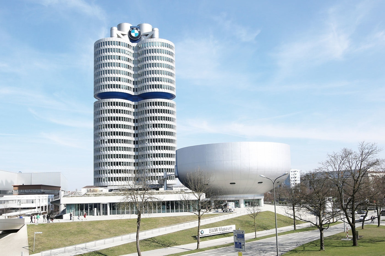 BMW / HEADQUARTER