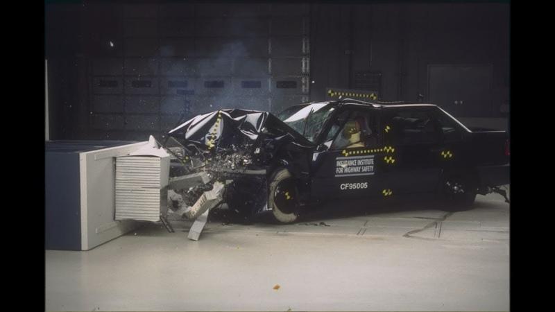 1995 Volvo 850 Moderate Overlap Crash Test IIHS