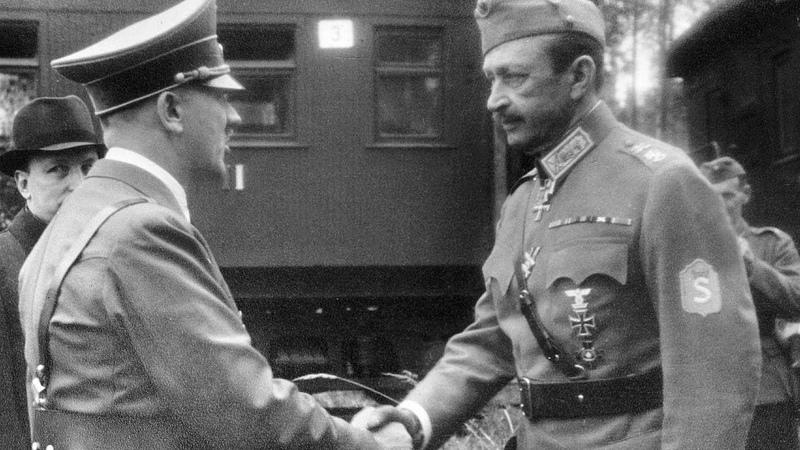 Неожиданный визит Гитлера в Финляндию на юбилей Маннергейма Жалко что не сбили гада над Балтикой