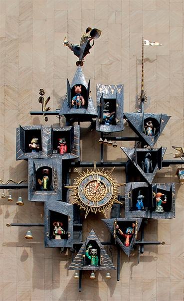 СКАЗОЧНЫЕ ЧАСЫ ТЕАТРА КУКОЛ СЕРГЕЯ ОБРАЗЦОВА В Москве много различных знаменитых часов, но часы на здании кукольного театра им. Образцова существенно отличаются от своих «коллег» достаточно