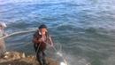 Imprecionante Pesca artesanal de pejerreyes en la escollera sur
