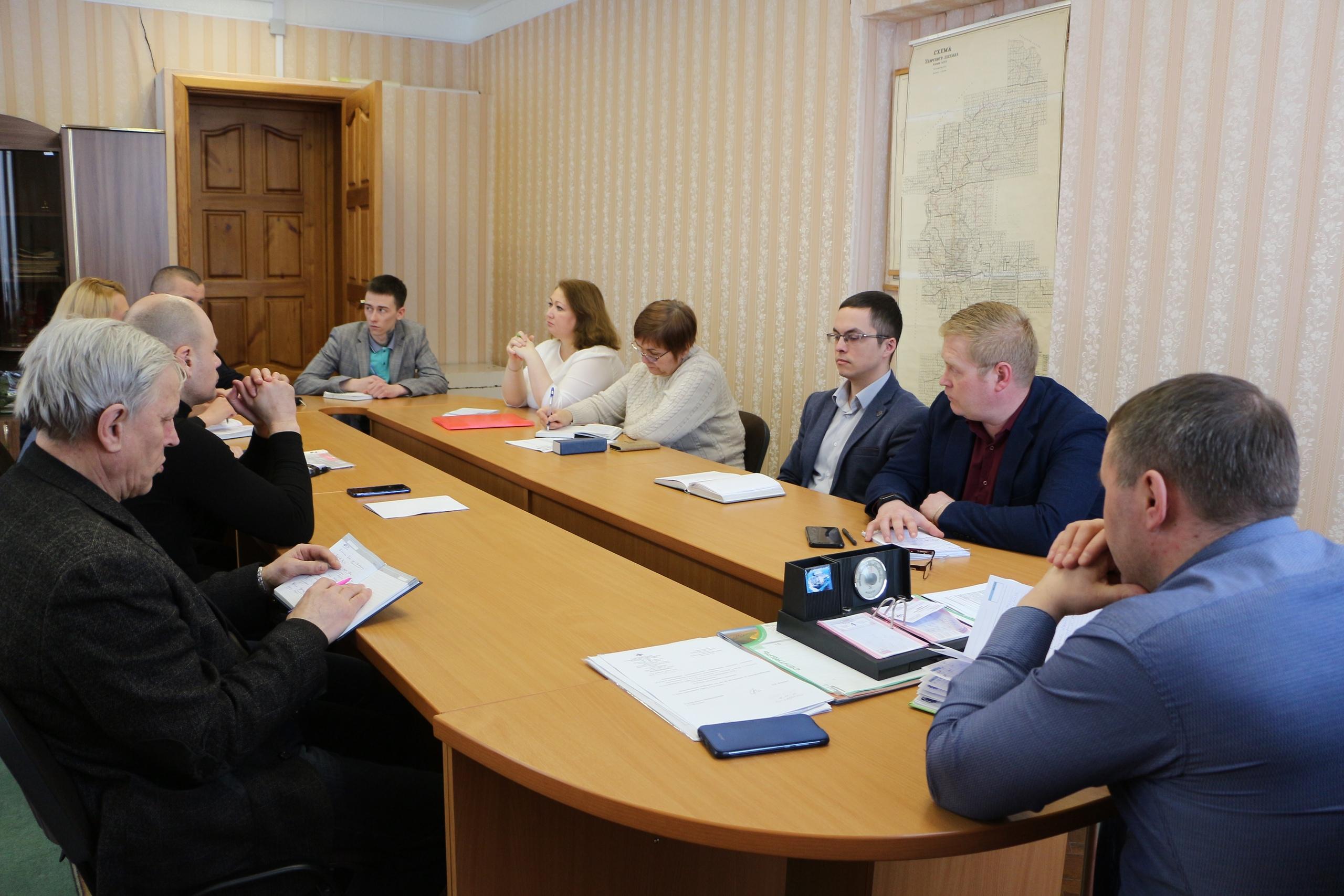 Для решения проблемы по очистке дорог в зимний период в Кослане запланировано приобретение трактора