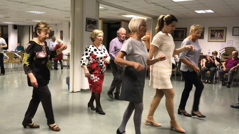 Baile en Linea - Dame un Beso ( Cumbia )