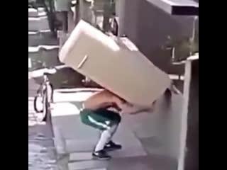 Когда узнал, что доставка холодильника обойдется в  рублей