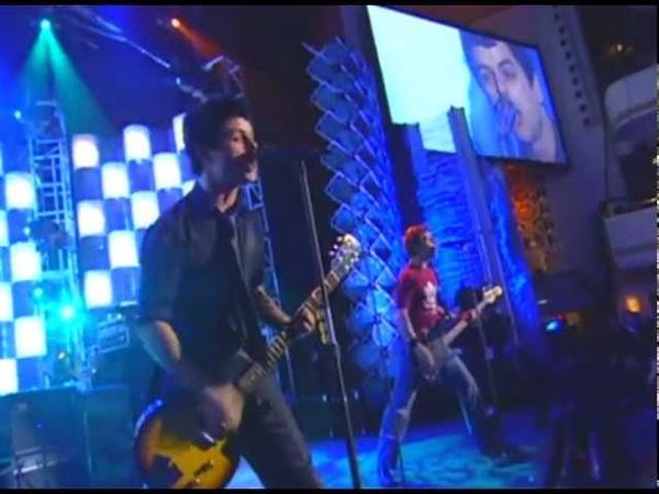 Green Day Performs Teenage Lobotomy Rockaway Beach and Blitzkrieg Bop in 2002