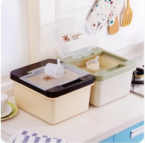 Вместительные коробки с ложечкой Можно использовать для хранения круп или стирального порошка