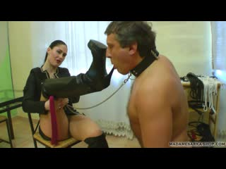Madame Sarka: Eager to lick my boots