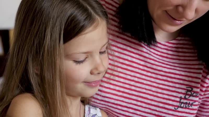 7 фраз, которые обязательно нужно говорить ребенку