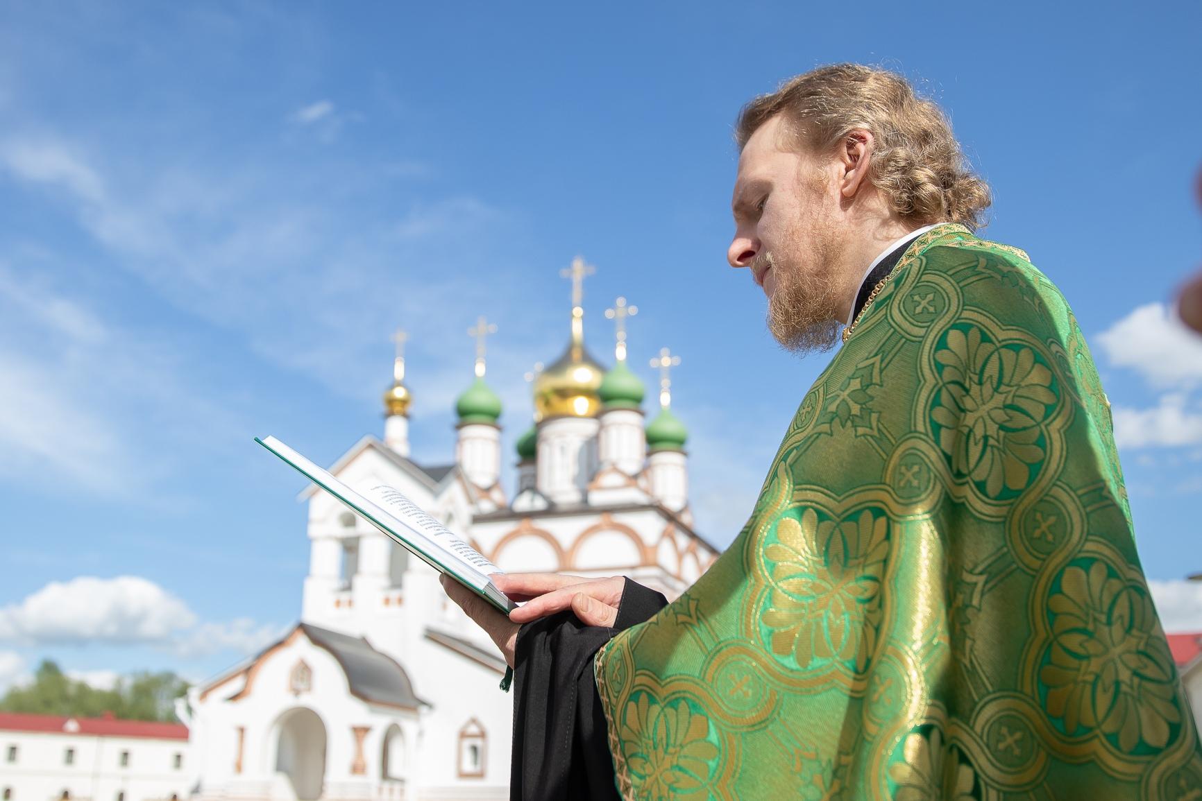 В Обители встретили престольный Праздник Святой Троицы, изображение №2