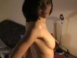 смазливая брюнетка с большой грудью трахнута ебарем Супер сиськи фитоняшка, секси big tits hard strip большая грудь порно Anal