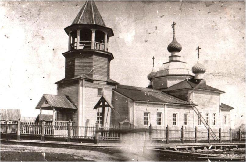 Так выглядела церковь в Лопшеньге, перестроенная и частично разрушенная в 1937–1938 годах