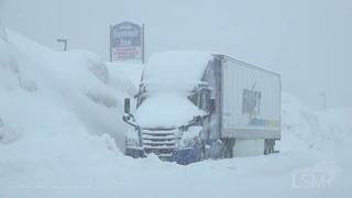 02-26-2021 Snoqualmie Pass, WA - Heavy Snow - Deep Snow - Tough Travel