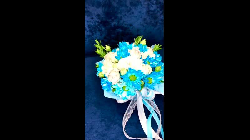 Цветочный комплимент для классного руководителя 👩🏻🏫🙂 Состав Кустовая Роза Кустовая хризантема Эустома Самшит 800₽