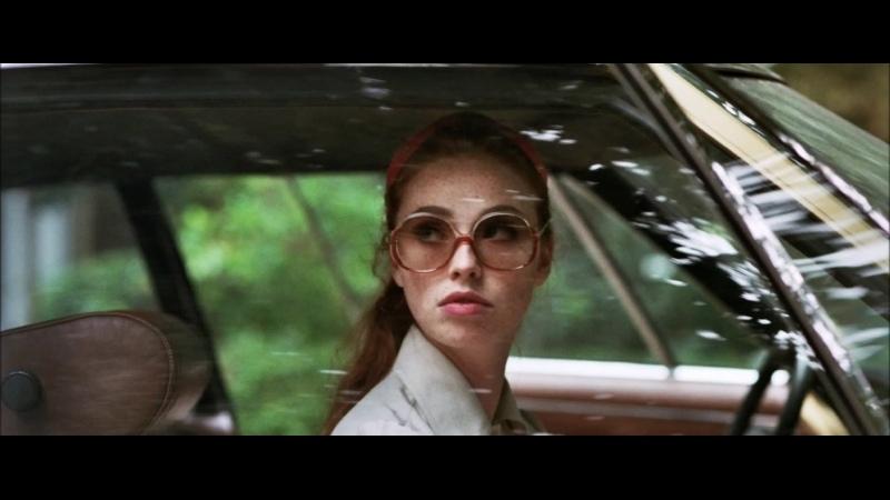 Дама в очках и с ружьём в автомобиле 2015 триллер Жоанн Сфар
