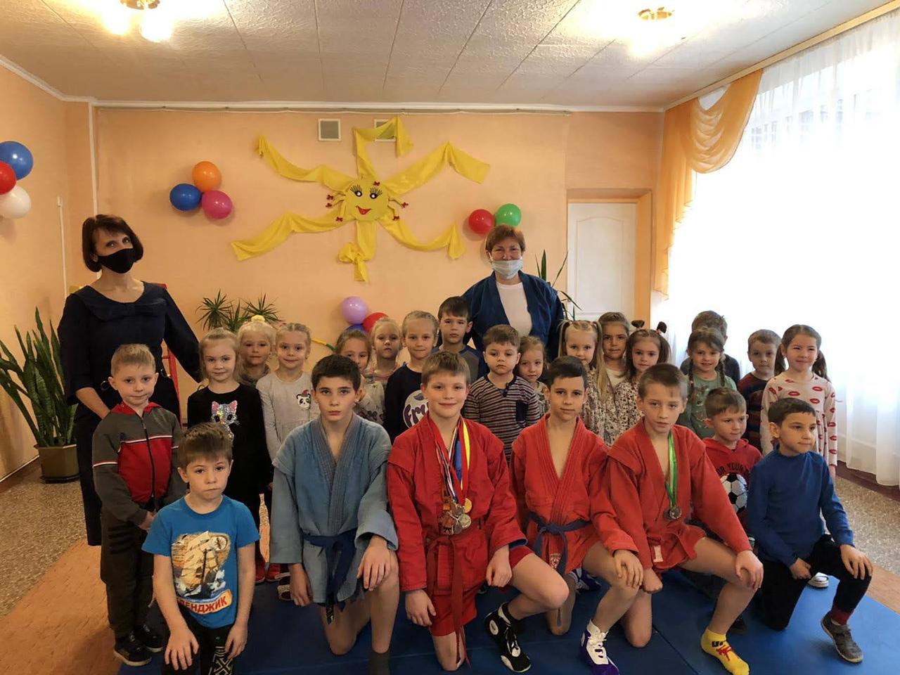 В детском саду № 327 провели мастер-класс по самбо