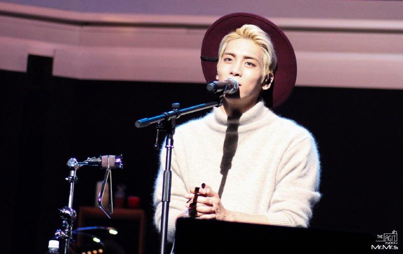 151018 Однажды на концерт Джонги `The Agit: The Story by Jonghyun` пришёл родной...