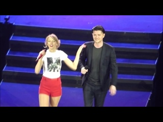 Taylor Swift & Danny O'Donoghue - Breakeven (Live on The Red Tour 2014, London night 3)