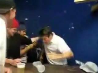 3 литра пива за 10 секунд