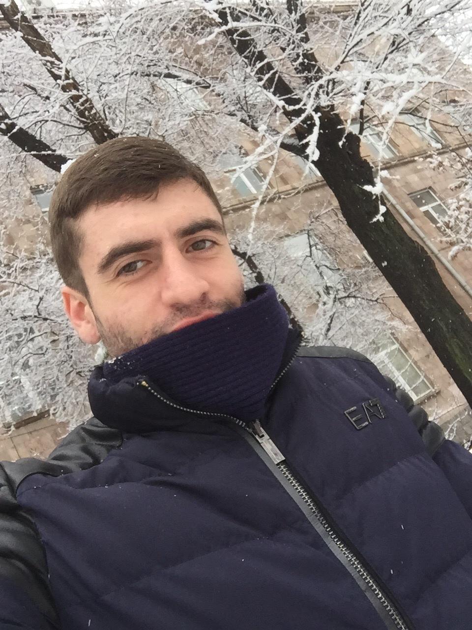Armen, 23, Abovyan