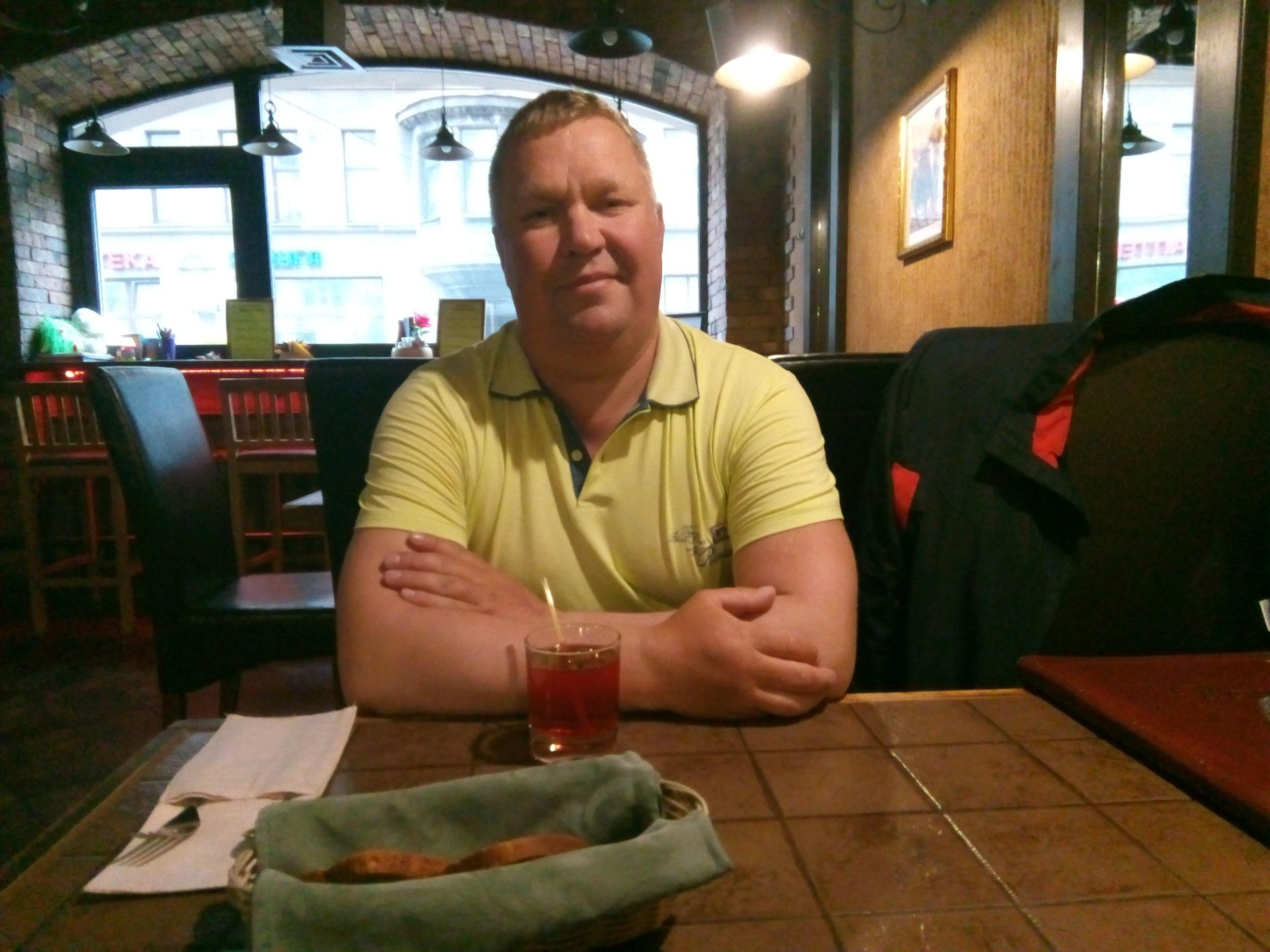Алексей, 46, Vazhiny