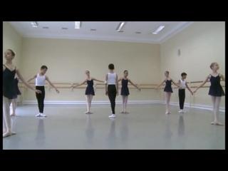 Vaganova Ballet Academy. Historical dance. 2nd class. 2013полонез,па де патинер.миньон,вальс,мазурка