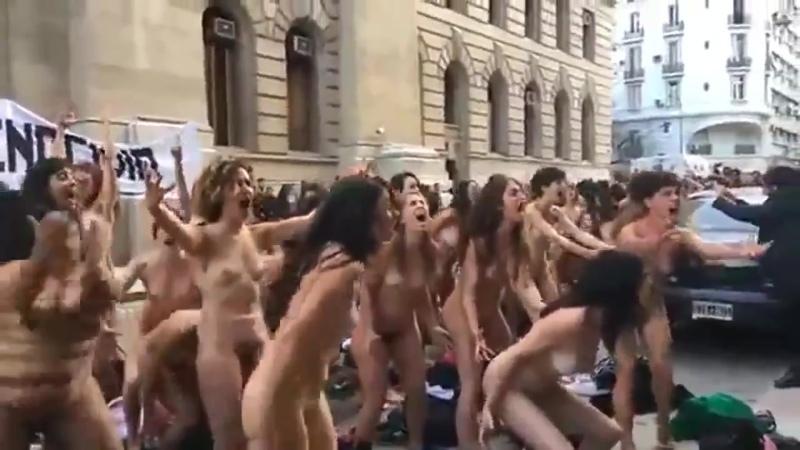 А здесь феминистки доказывают хуемразям, что они адекватные и здравомыслящие люди.