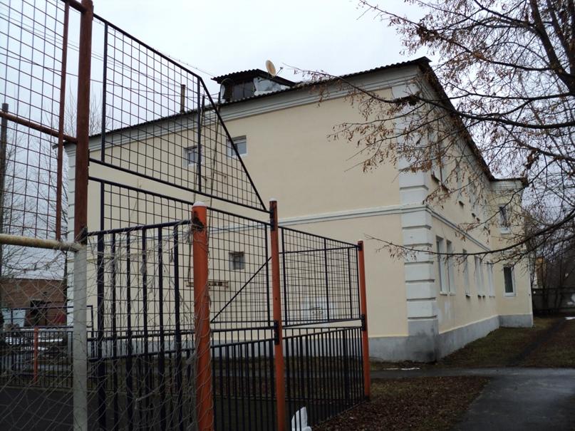 Типовая советская жилая архитектура 50-х годов в Белоомуте., изображение №8