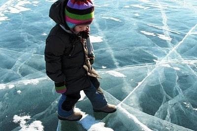 Региональное ГУ МЧС напоминает родителям об опасности выхода на лёд водоёмов детей и подростков