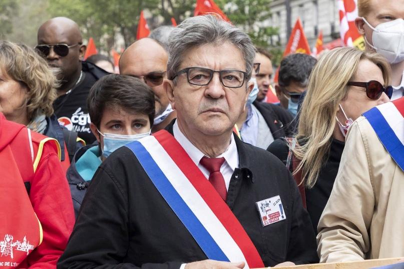 Во Франции предложили выйти из НАТО после срыва сделки по подлодкам