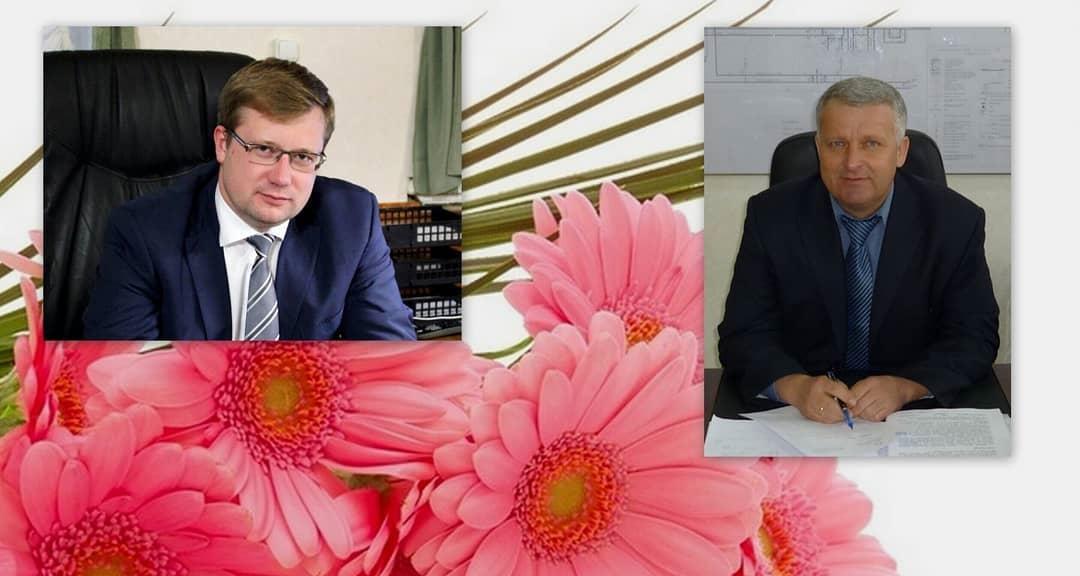 Председатель Петровского районного Собрания Александр МИХЕЕВ и глава района Денис ФАДЕЕВ поздравляют с профессиональным праздником петровских медиков
