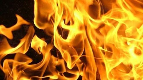 В результате ночного пожара в селе Озёрки сгорела кровля двухквартирного дома