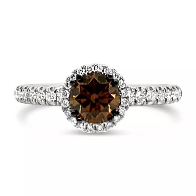 1Qa8m46tYpA - Шоколадные бриллианты в обручальных кольцах - звучит мечтательно