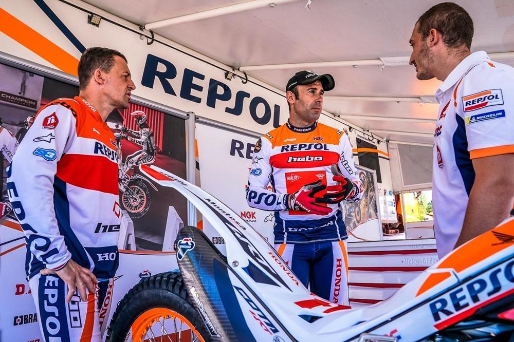 Тони Боу продлил контракт с Repsol Honda