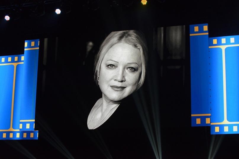 Жюри фестиваля на экранах и в зале «БКЗ «Октябрьский». Актриса Наталья Егорова